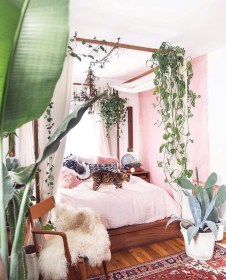 Wonderful green bedroom design decor ideas (11)