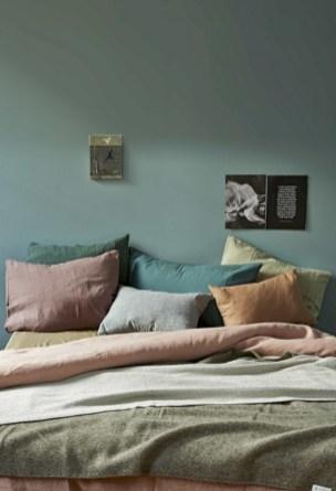 Wonderful green bedroom design decor ideas (42)