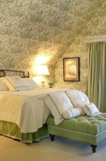Wonderful green bedroom design decor ideas (9)