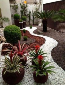 Beautiful rock garden landscaping ideas 43
