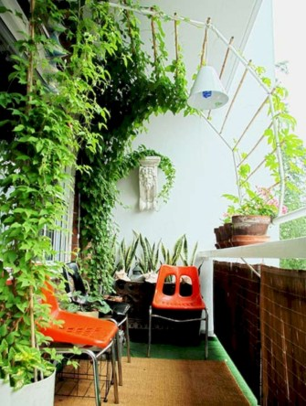 Cozy small balcony design decoration ideas 01