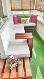 Cozy small balcony design decoration ideas 25
