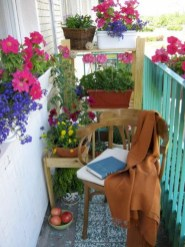 Cozy small balcony design decoration ideas 39
