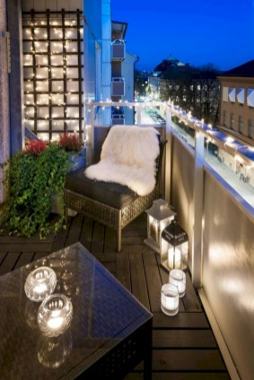 Cozy small balcony design decoration ideas 43