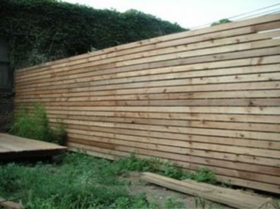 Easy and cheap backyard privacy fence design ideas 01