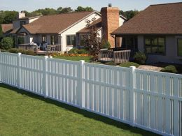 Easy and cheap backyard privacy fence design ideas 29