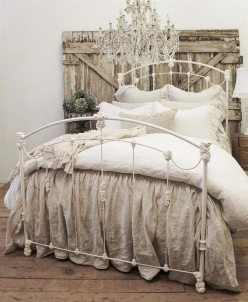 Romantic shabby chic bedroom decorating ideas 02