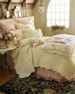 Romantic shabby chic bedroom decorating ideas 05