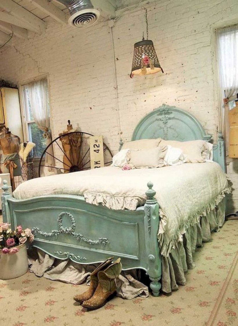 Romantic shabby chic bedroom decorating ideas 17