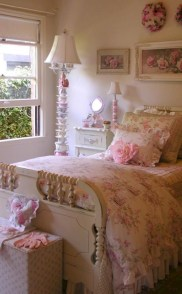 Romantic shabby chic bedroom decorating ideas 28