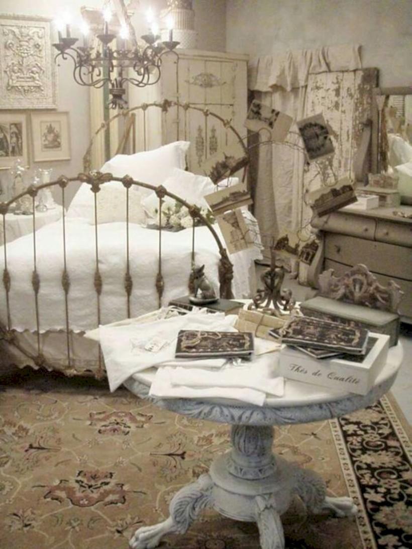 Romantic shabby chic bedroom decorating ideas 31