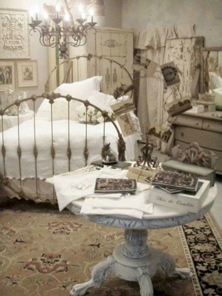 Romantic shabby chic bedroom decorating ideas 31