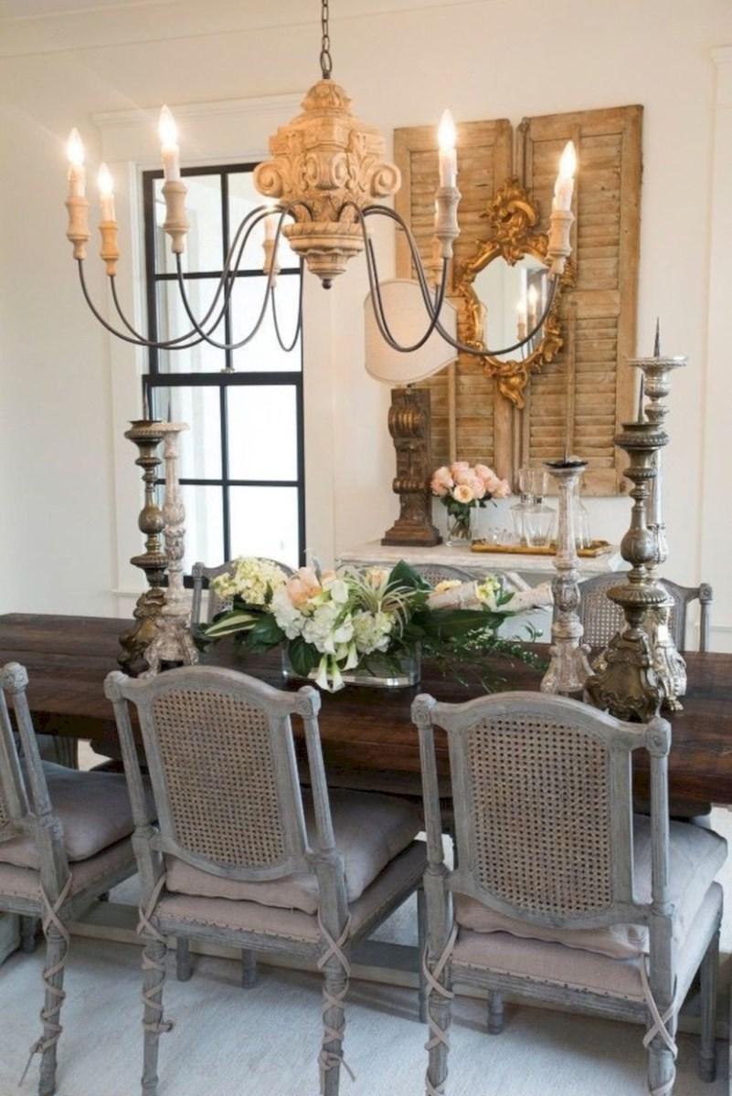 Rustic farmhouse dining room table decor ideas 42