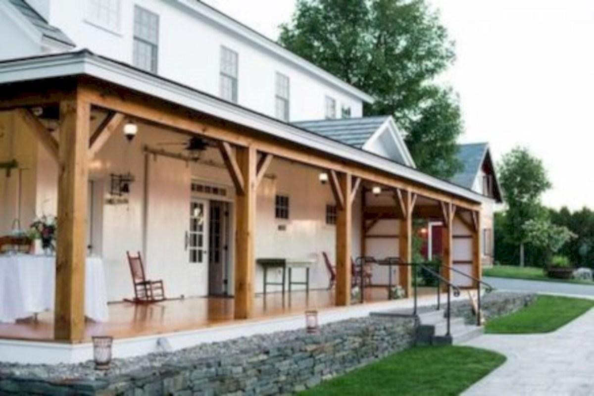 Rustic farmhouse porch steps decor ideas 07
