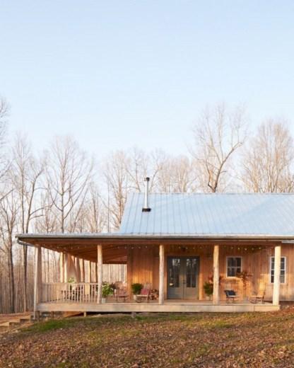 Rustic farmhouse porch steps decor ideas 10