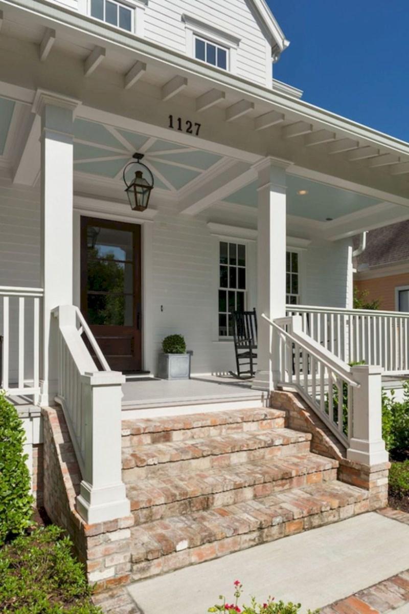 Rustic farmhouse porch steps decor ideas 26
