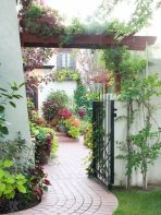 Stunning front yard entrance path walkway landscaping ideas 27