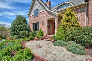 Stunning front yard entrance path walkway landscaping ideas 34