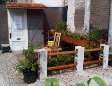 Adorable easy cinder block ideas for garden (13)