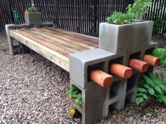 Adorable easy cinder block ideas for garden (16)