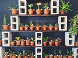 Adorable easy cinder block ideas for garden (42)