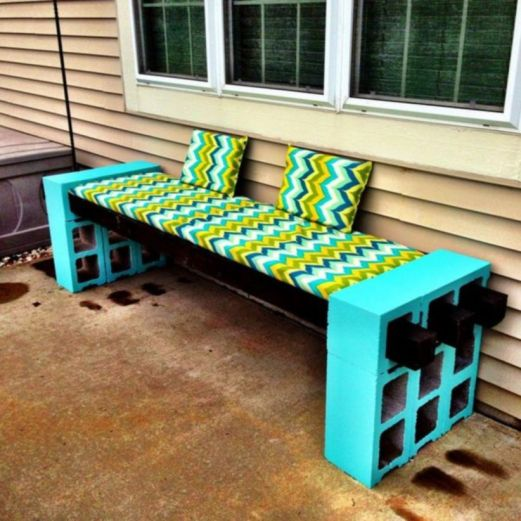 Adorable easy cinder block ideas for garden (43)