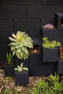 Adorable easy cinder block ideas for garden (8)