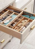 Affordable kitchen cabinet organization hack ideas (35)