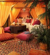 Amazing bohemian style living room decor ideas (1)