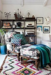Amazing bohemian style living room decor ideas (34)