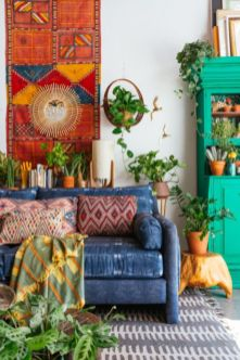 Amazing bohemian style living room decor ideas (35)