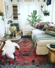 Amazing bohemian style living room decor ideas (45)