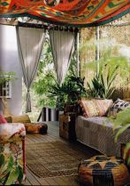 Amazing bohemian style living room decor ideas (46)