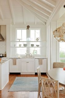 Cool coastal kitchen design ideas (23)