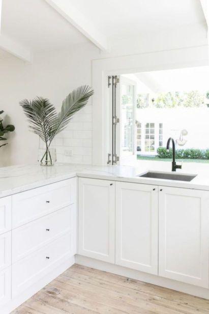 Cool coastal kitchen design ideas (42)