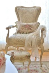 Cozy vintage chair design ideas you can add for your home (1)