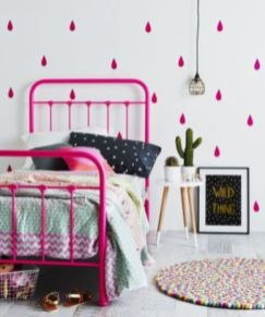 Cute pink kids bedroom designs ideas for small room (15)
