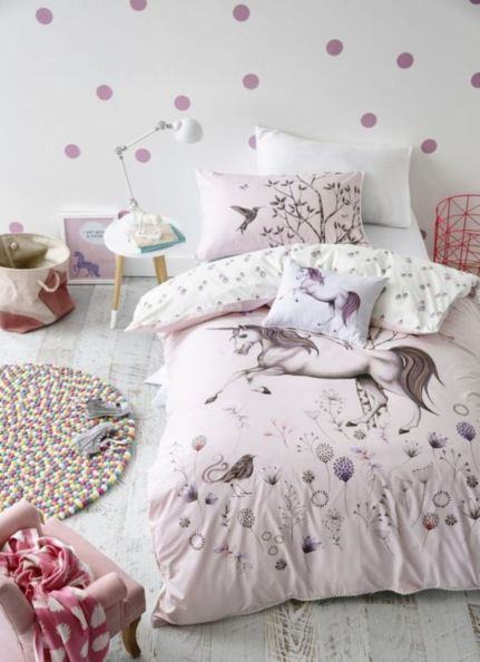 Cute pink kids bedroom designs ideas for small room (3)