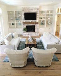 Gorgeous coastal living room decor ideas (38)