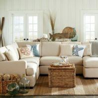 Gorgeous coastal living room decor ideas (7)