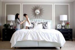 Totally inspiring black and white geometric wallpaper ideas for bedroom (34)