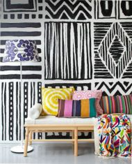 Totally inspiring black and white geometric wallpaper ideas for bedroom (4)
