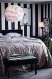 Totally inspiring black and white geometric wallpaper ideas for bedroom (44)
