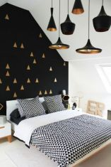 Totally inspiring black and white geometric wallpaper ideas for bedroom (6)