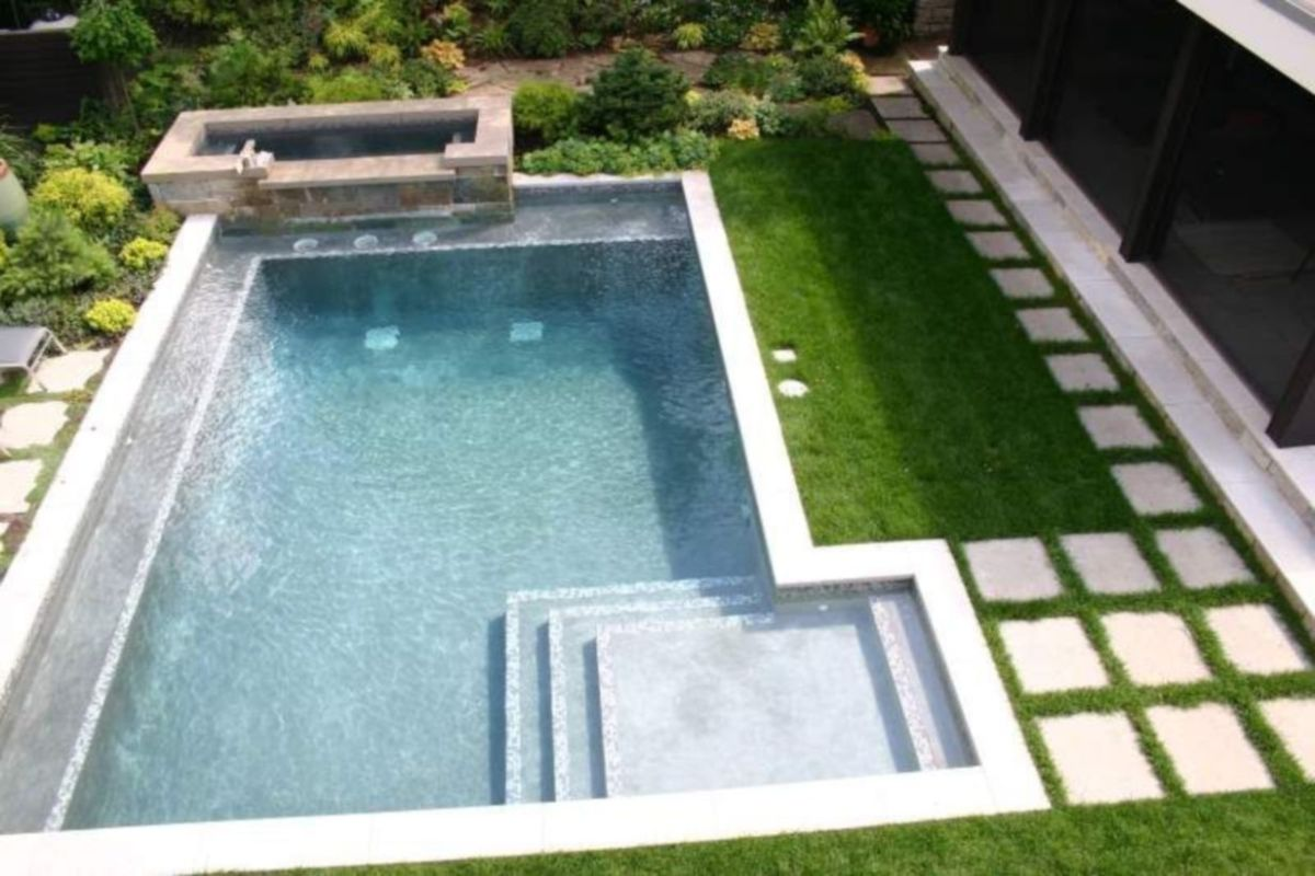 Beautiful small outdoor inground pools design ideas 36