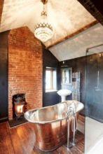 Beautiful urban farmhouse master bathroom remodel ideas (16)