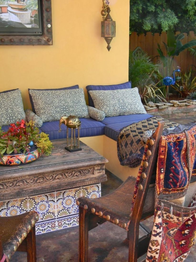 Cozy moroccan patio decor and design ideas (46)