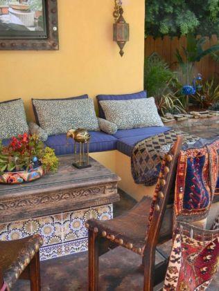 Cozy moroccan patio decor and design ideas (46)