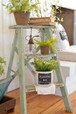 Elegant farmhouse decor ideas for your home (38)