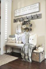 Elegant farmhouse decor ideas for your home (39)